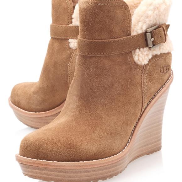 8047c224e28 Excellent Cond. UGG Anais 6.5 Camel Wedge lug sole